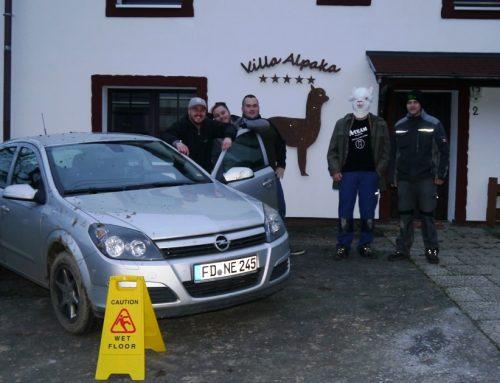 Die Hauptgewinner der Alpakashow Alsfeld 2017 lösen ihren Gewinn im Ferienhaus Villa Alpaka ein!